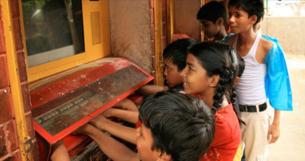 O projeto Buraco na Parede rendeu a Sugata Mitra o prêmio TED de Educação e foi o berço da Escola na Nuvem